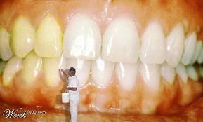 Gigi Kuning Penuh Bakteri Dialektika Mahasantri